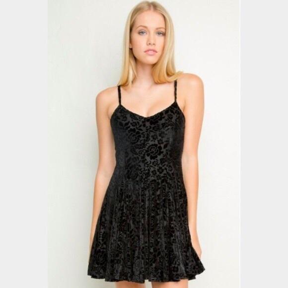 0f9e1a129c9a6 Brandy Melville Dresses   Skirts - Brandy Melville black velvet dress